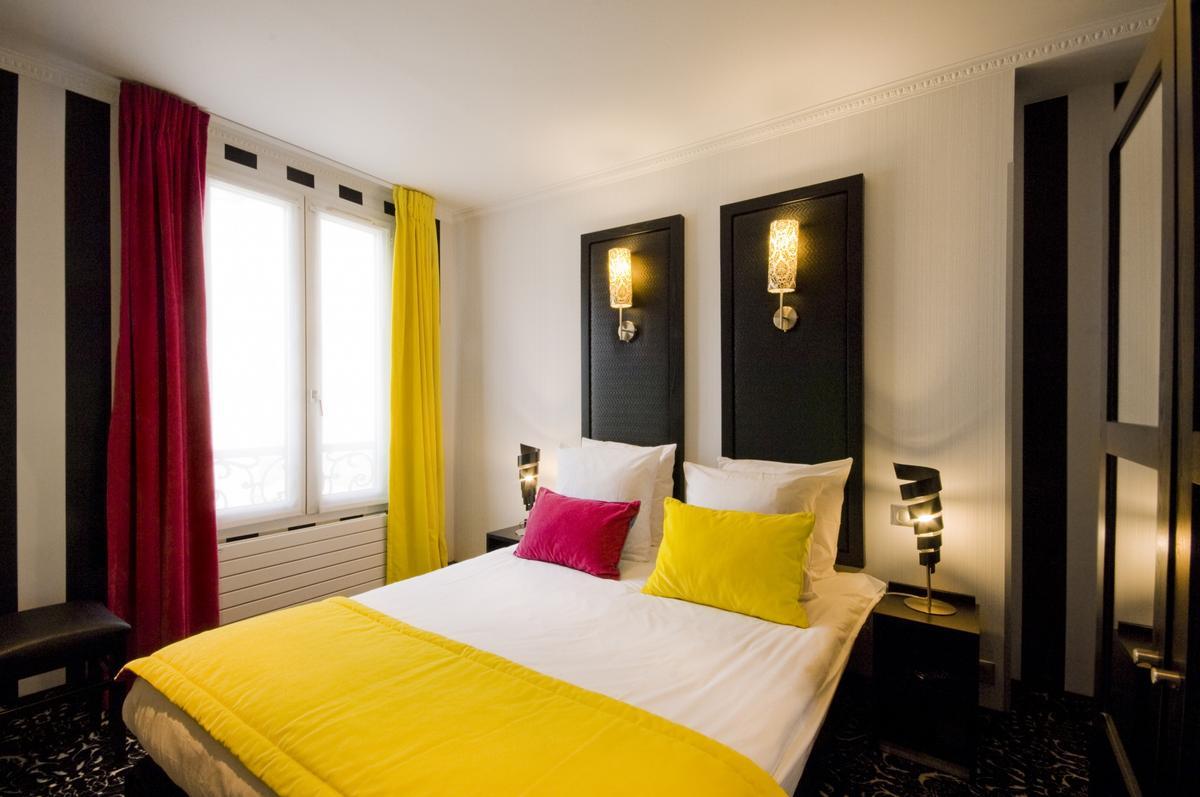 CHAMBRE DOUBLE OU TWIN CLASSIQUE 15 m² en moyenne   Hôtel Peyris ...